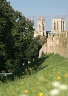 Bymuren, York, Yorkshire, middelalder, katedral, The York Minster, vikinger, vikingtid, romere, romertid, Konstantin den Store, angelsaksere, England, Storbritannia