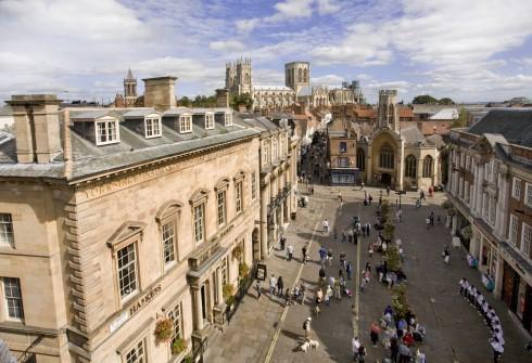 St Helen Square, York, Yorkshire, middelalder, katedral, The York Minster, vikinger, vikingtid, romere, romertid, Konstantin den Store, angelsaksere, England, Storbritannia