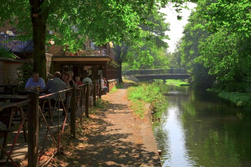 The William Morris Riverside Pub in Merton Abbey Mills, London, British Museum, romerne, middelader, historisk, Unescos liste over Verdensarven, Tower, England Storbritannia
