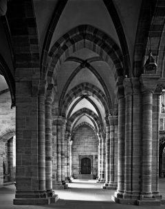 Basel Münster: Sideskip med både romanske og gotiske innslag. Foto © baslermuenster.ch / Erik Schmidt