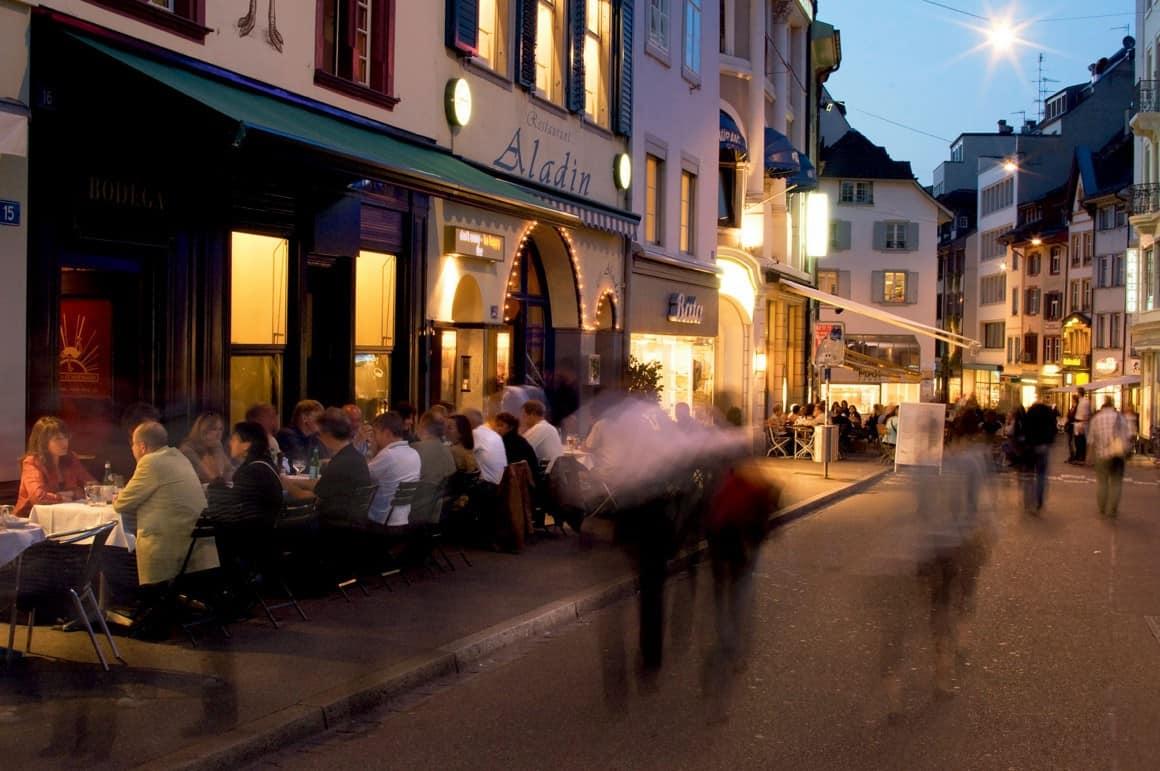 Basel, romertid, middelalder, kulturseverdigheter, gamlebyen, marktplatz, Sveits