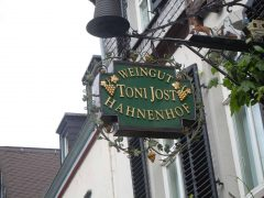 Weingut Toni Jost Hanhhof, Bacharach, Rhinen, Rheintal, romertid, middelalder, Unescos liste over Verdensarven, Vest-Tyskland