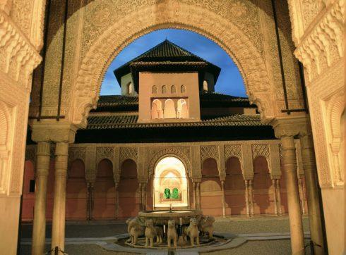 Granada, Alhambra, Generalife, Barrio del Albaicín, Bib-Rambla, Plaza Nueva, Capilla Real, Santa Ana, San Nicholas, San Miguel de Bajo, Unescos liste over Verdensarven, Andalucia, Spania