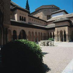 Granada, Patio de los Leones, Alhambra, Generalife, Barrio del Albaicín, Bib-Rambla, Plaza Nueva, Capilla Real, Santa Ana, San Nicholas, San Miguel de Bajo, Unescos liste over Verdensarven, Andalucia, Spania