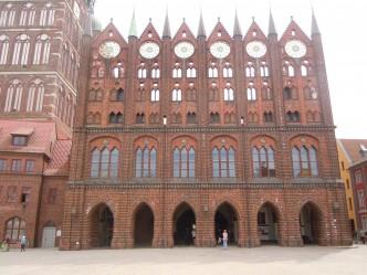 Stralsund, Alter Markt, gotisk skjermfasade, Rathaus, Unescos Verdensarvliste, Wismar, Lübeck, Hansaen, Hanseatforbundet, Mecklenburg Vorpommern, Nord-Tyskland