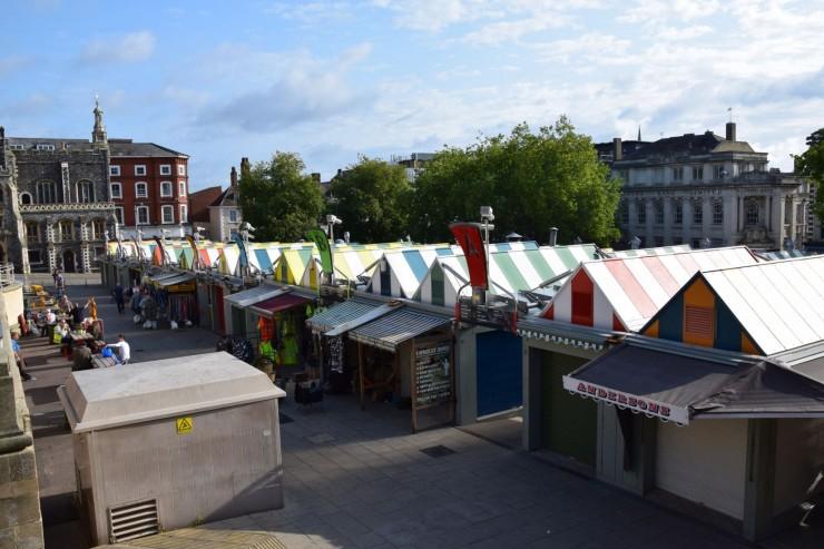 Det fargerike markedet i Norwich har vært her siden år 1067. Foto: © ReisDit.no