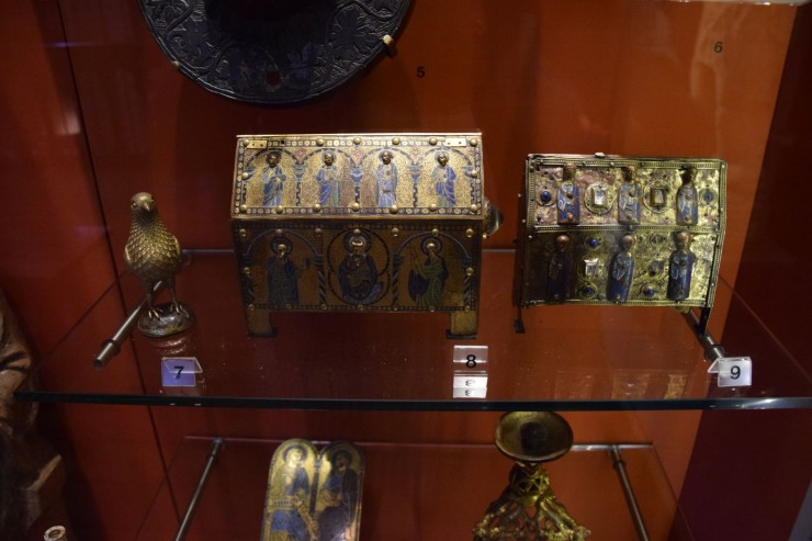 Relikvieskrin fra 11-1200-tallet finnes i samlingene i museet til The Norman Castle. Foto: © ReisDit.no