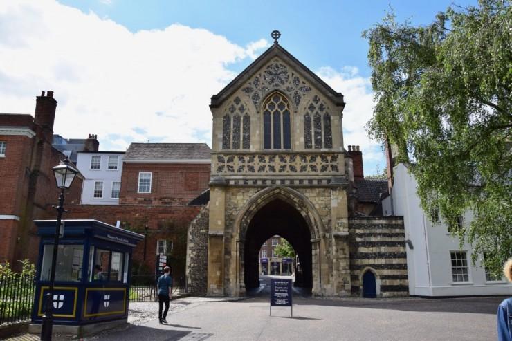 Fra innsiden av Erpingham Gate. Foto: © ReisDit.no