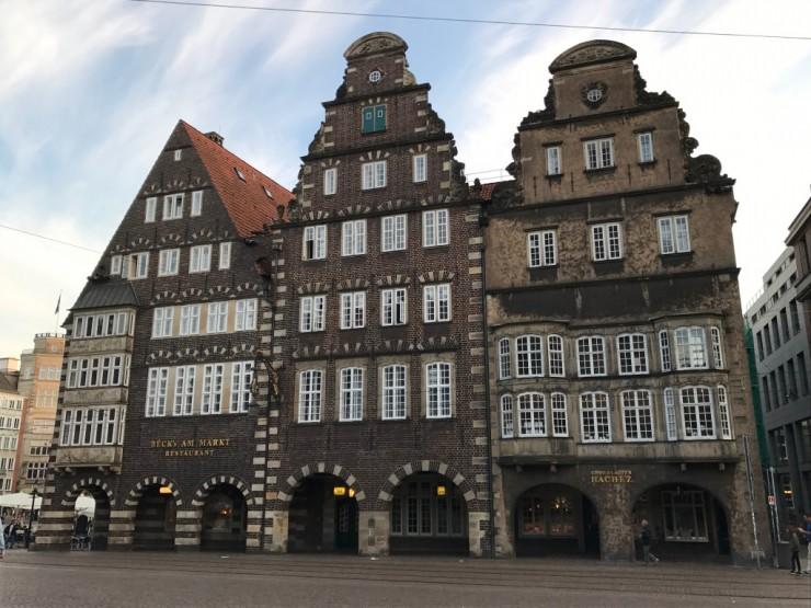Gammelt og flott ved Bremens Marktplatz. Foto: © ReisDit.no