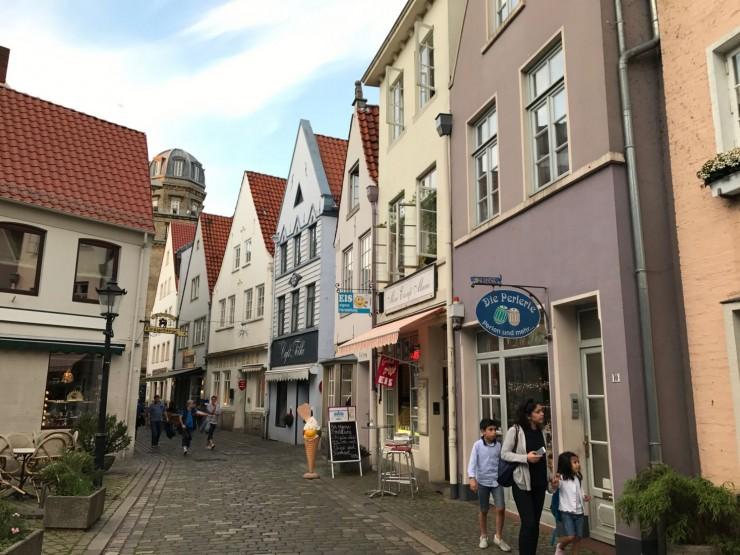 Fra det sjarmerende kvarteret Schnoorviertel i Bremens historiske senter. Foto: © ReisDit.no
