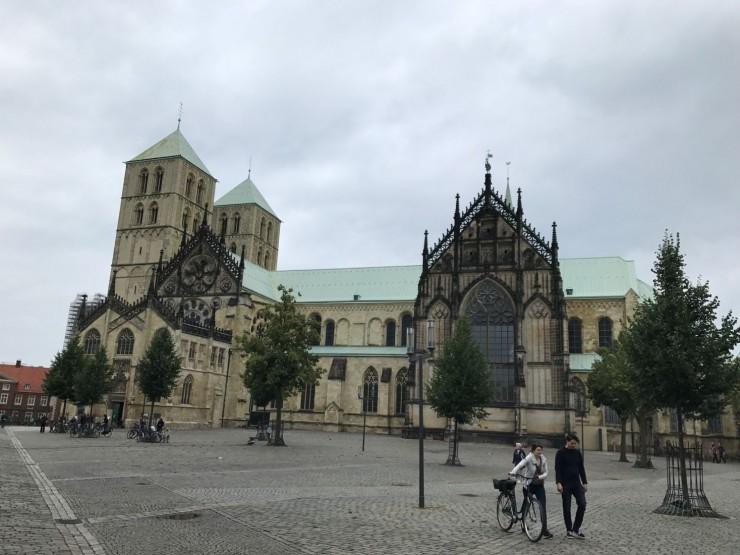 St. Paulus-Dom er Münsters storslåtte katedral. Foto: © ReisDit.no