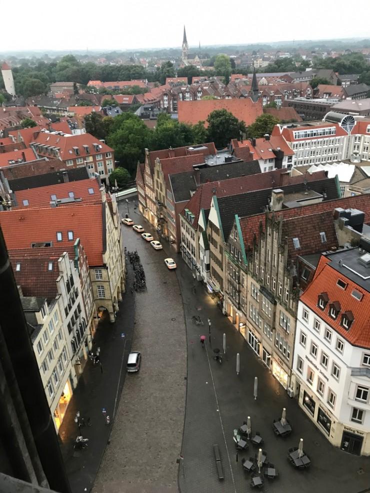 Utsikten fra tårnet i St. Lambertikirche er imponerende. Foto: © ReisDit.no
