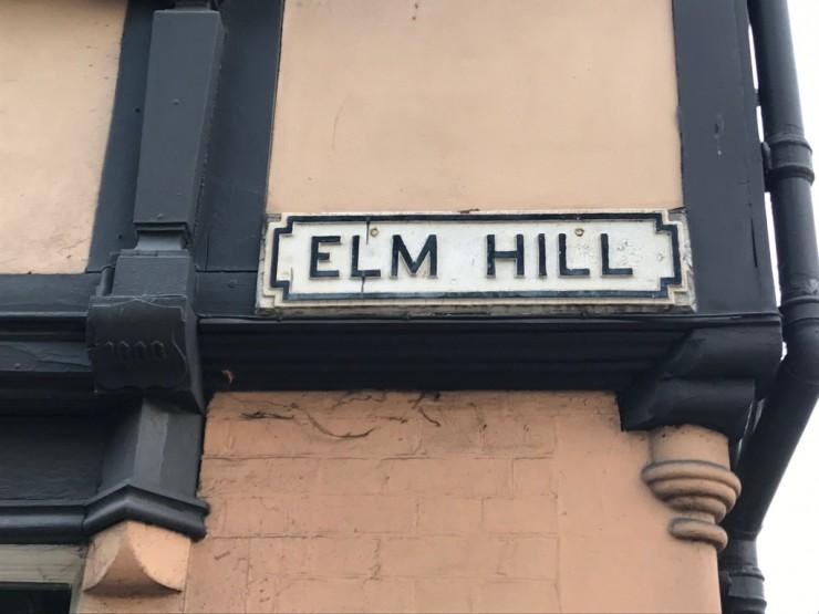 Elm Hill består av hus fra 1400-1700-tallet. Foto: © ReisDit.no