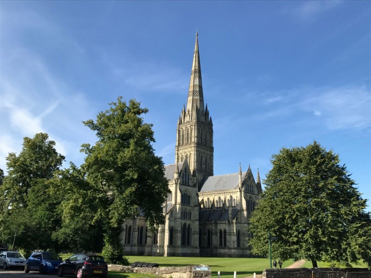 Salisbury Cathedral slik den tar seg ut fra der jeg bor. Foto: © ReisDit.no
