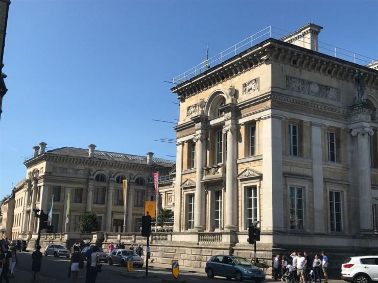 Ashmolean Museum ble grunnlagt allerede i 1670-årene. Foto: © ReisDit.no