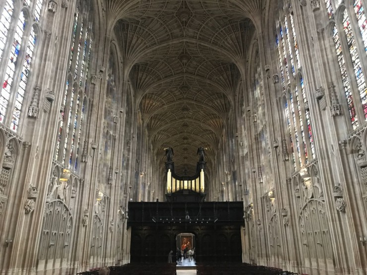 Det er knapt så du tror hva du ser, når du kommer inn i King's College Chapel. Foto: © ReisDit.no