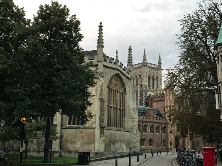Trinity College til venstre og St. John's College rett frem. Foto: © ReisDit.no
