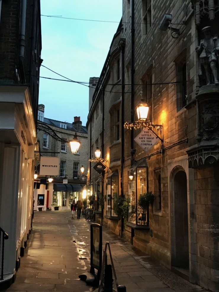 Fra Rose Cresent, som går fra Trinity Street til The Marketplace. Foto: © ReisDit.no