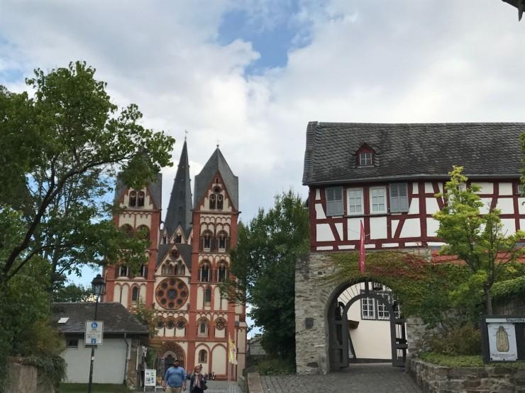 På vei opp til Domplatz går jeg innom Diözenmuseum. Foto: © ReisDit.no