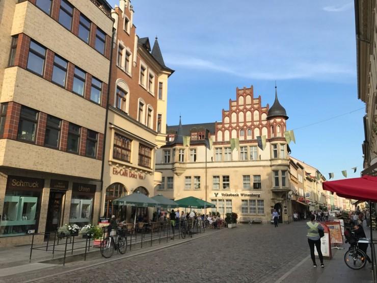 Lutherstadt Wittenbergs gamleby er stort sett bilfri. Foto: © ReisDit.no
