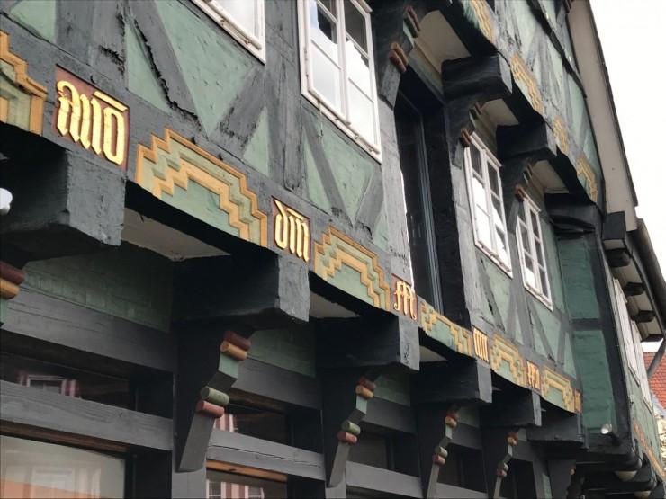 Det er en stor opplevelse å ha besøkt vakre Celle med alle sine individuelt utformede og dekorerte hus. Foto: © ReisDit.no