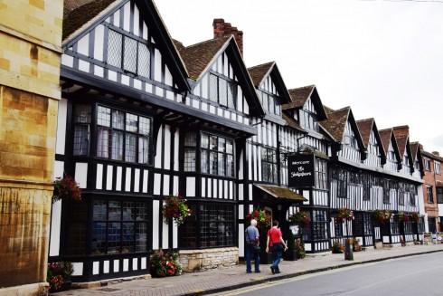 Stratford-upon-Avon, William Shakespeare, middelalder, bindingsverk, Shakespeare's Birthplace, Anne Hathaway, Mary Arden, New Place, Hall's Croft, John Hall, Holy Trinity Church