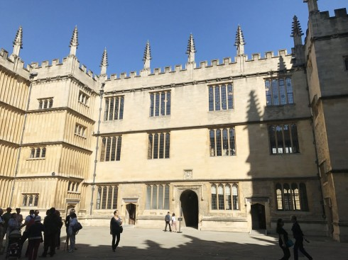 Oxford, Oxford University, Oxfordshire, Britain, England, College, Ashmolean Museum, High Street, Broad Street, Magdalen College, Christ Church, Broad Walk, Merton College, Merton Street, Radcliffe Square, Radcliffe Camera, All Souls College, Bodleian Library, Divinity School, Old School Quadrangle, Oxford Castle, Balliol College, Trinity College, St Edmund Hall, St Mary the Virgin, The Bear, Eagle and Child, Lamb and Flag